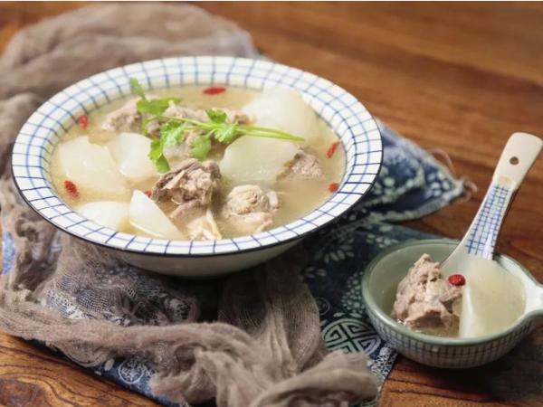 用调味料如何做出美味的高汤?
